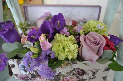 Gorgeous Flower Box with Roses and Flowers